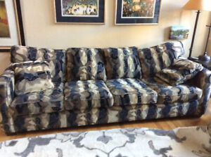 4 seater sofa for giveaway