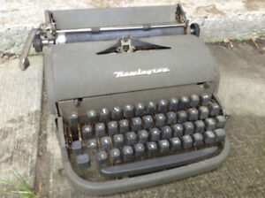 Vintage Typewriter - needs tlc