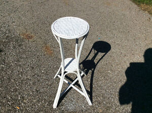 """VINTAGE BAMBOO AND RATTAN PLANT STAND 24""""H"""