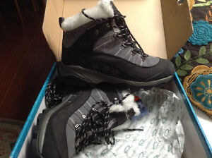 Ladies size 11 Hyper-Dry HD3 winterboots by Windriver Outfitting