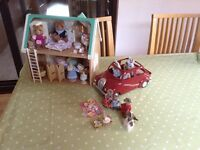 Sylvanian Families Furnished House and Car
