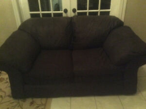 *Priced to sell*Love Seat in Great Condition