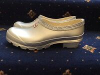 FABULOUS NEW HUNTER WELLIE SHOES SIZE 5