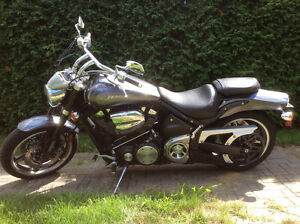 Moto  Yamaha Road Star Warrior 1700 cc      2004