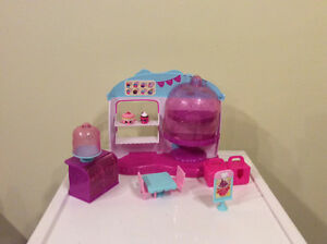 Shopkins cupcake Queens Cafe