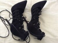 Ladies very high stiletto shoes size 41(uk 8)