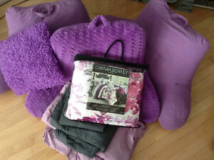 Lovely King Duvet cover set with many extras
