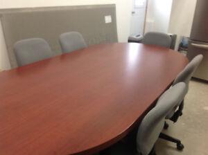 Table de conférence avec 6 chaises