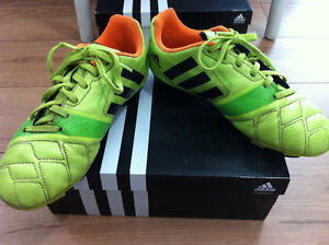 adidas outdoor soccer shoes size 6 Strathcona County Edmonton Area image 5