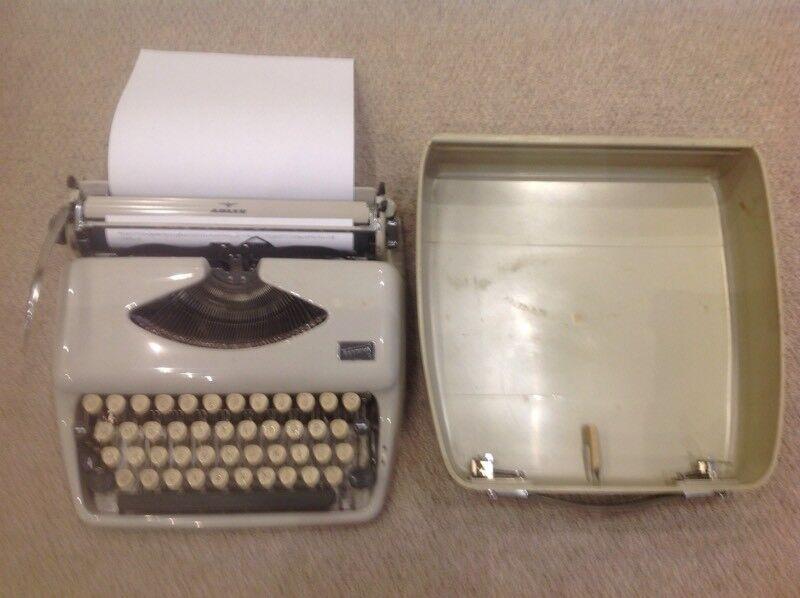 Vintage typewriter, ADLER TIPPA