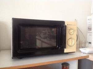 Sanyo-microwave oven