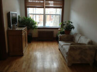 Grand 6-1/2 haut de duplex -Large 3-bedroom upper duplex NDG/CDN