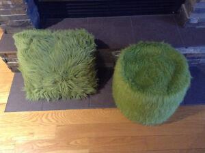 Coussin et Pouf (couleur verte)