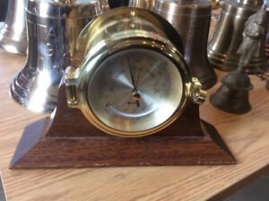 BAROMETRE, THERMOMETRE BECHMAN SOLID BRASS AVEC STAND