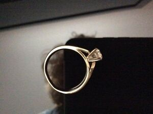 Beautiful Gold Solitaire Diamond Ring