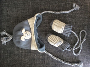 Baby Hat and Mittens size 0-3mo