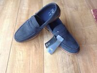 GENTS SUEDE LEATHER SLIP ONS SIZE 11