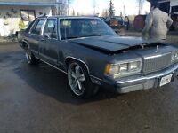 """1989 grand marquis on 22""""s 3200 obo"""