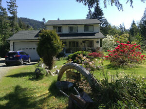 Home on 4.5 Acres In Port Alberni, BC