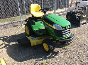 JOHN DEERE D170 RIDING LAWN TRACTOR WITH FULL WARRANTY