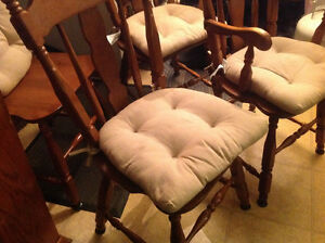dining chairs 4 solid maple wood set good shape ,only 50 dollars Kitchener / Waterloo Kitchener Area image 8
