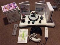 Nintendo Wii Skylanders bundle + 17 games included
