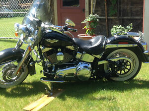 2 deluxe Harley Davidson