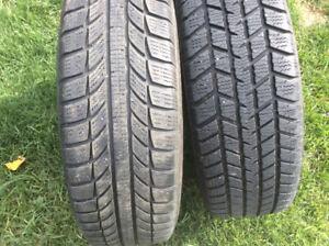 4 Pneu hiver 185/65/14 GT radial 125.$,4 pneu hiver185/65/15