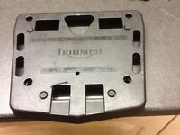 Triumph sprint st 1050 topbox mount