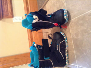 Boots-snowboard Cambridge Kitchener Area image 1