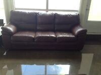 BURGANDY LEATHER COUCH