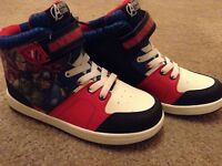 Avenger Trainers size 13
