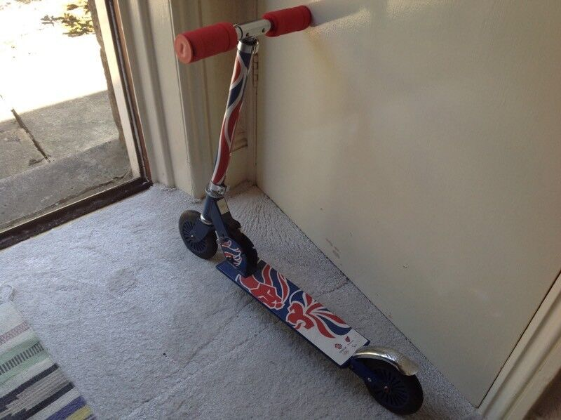 TEAM GB INLINE SCOOTERin Burley in Wharfedale, West Yorkshire - Inline scooter never has been used in mint condition.OFFERS PLEASECollection only