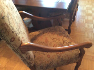 Real Wood Dining Room Set West Island Greater Montréal image 8