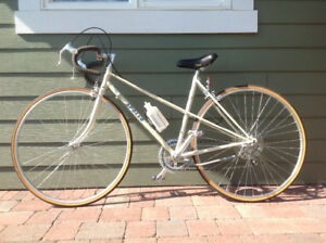 NOS 1983  Lady Apollo Prestige XL Bike-Price Reduced