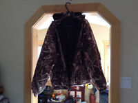 Like New hunting coat and insulated pants camouflage!!!!