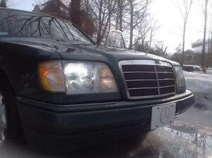 Mercedes-Benz E-Class E320 Sedan 1995 MINT CONDITION no rust