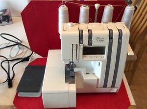 Machine à coudre compacte overlock brother PL-1500