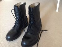 Men's leather walking boots