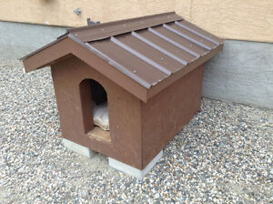 Dog house for sale.