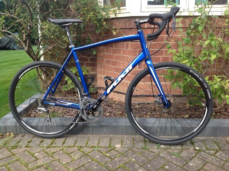 Fuji Sportif lightweight endurance/commuter bike XL