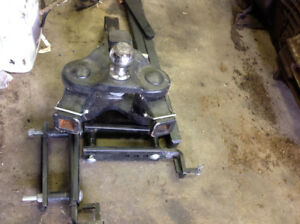 15000 lbs load shifting sway stabalazing hitch.
