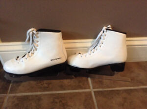 Ladies Figure Skates, Sizes 6