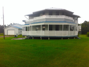 Large private property with bussing to Lloydminster! MLS 55488