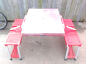 Leisure Season  Portable Folding Picnic Table- Great condition
