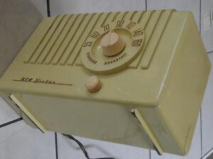 RCA Victor tabletop tube radio - New Price