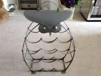 Owl metal wine rack