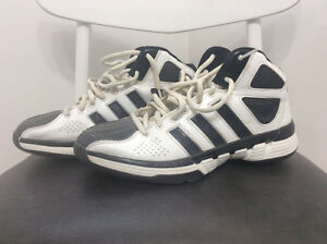 9.5 Adidas basketball shoes for sale