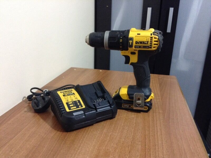 DeWALT 18v XR LI ION cordless drillin Stratford, LondonGumtree - DeWALT 18v XR LI ION Cordless drill setFully working order hardly been used Comes with 1x DeWALT XR LI ION 1.3AH battery 1x DeWALT charger Condition wise excellent condition If your interested please contact me on 07450138144