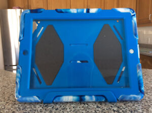 APPLE  IPAD  CASE for ipad  2 or 3 , in ex. cond— $10